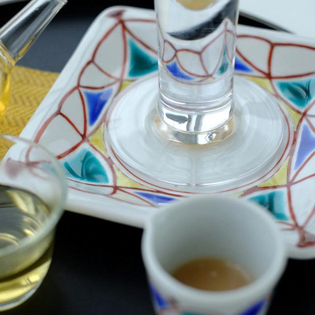 画像: 器は九谷焼。このパフェセットで加賀の魅力を存分に感じることが出来ます。