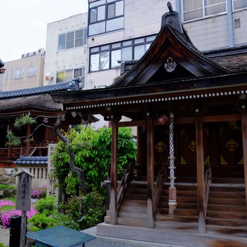 画像: 柴田勝家公ゆかりの「柴田神社」。街の真ん中にあり駅からも離れていないので立ち寄りやすいスポット。