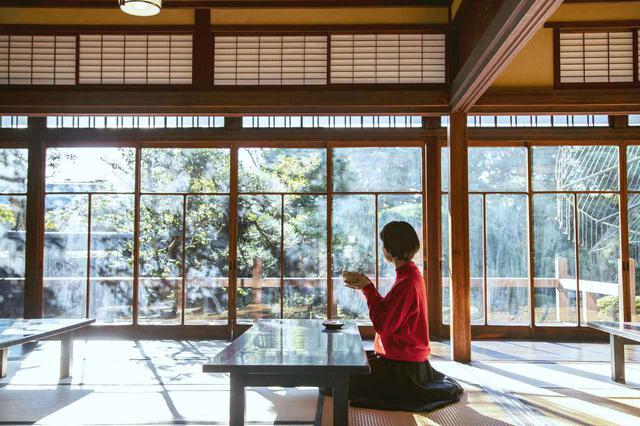 画像6: 世界も認める日本庭園を眺めながら抹茶を嗜む「山本亭」