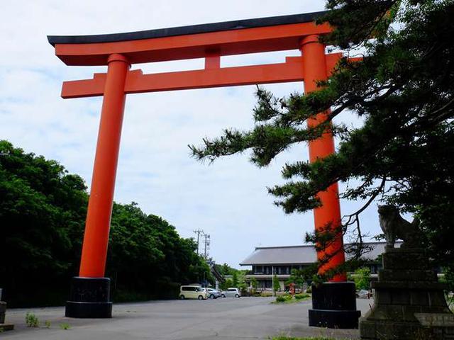 画像: そして大きな鳥居の「高山稲荷神社」へ着いた。やっと着きましたー!