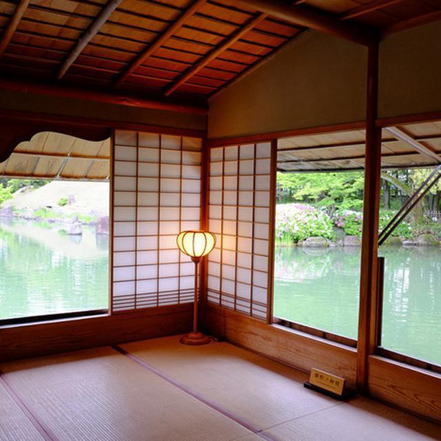 画像: 障子戸が全て開け放たれて、風通しの良いお座敷でゆっくりできます。