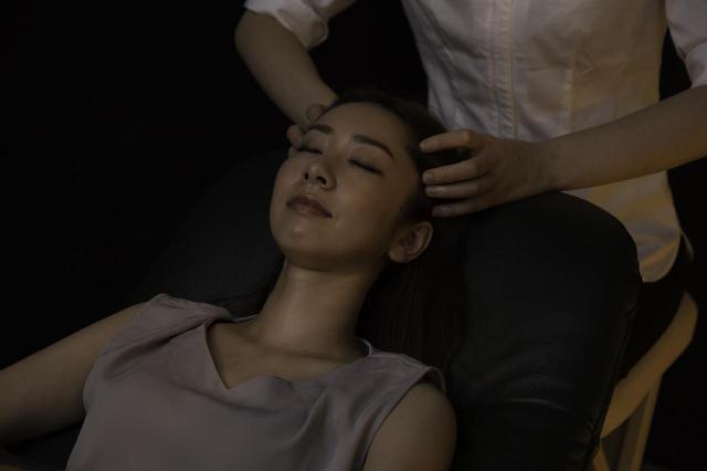 画像2: フライトの合間に、睡眠と仕事の質を高めてくれるヘッドスパ ヘッドスパ&リフレクソロジー Q's for-rest羽田空港