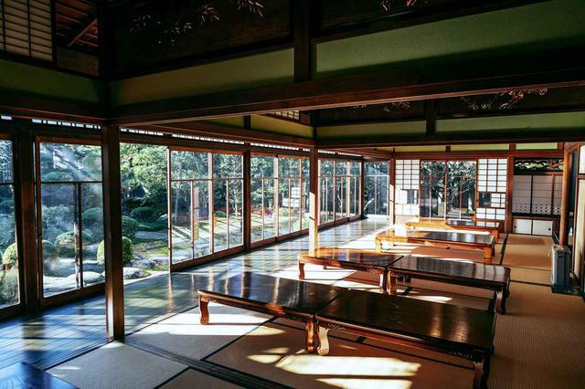 画像2: 世界も認める日本庭園を眺めながら抹茶を嗜む「山本亭」