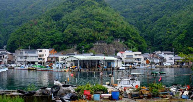 画像: 美保関は漁師町。かつては北前船が寄港し風待ち港として栄えました。古事記の神話にも登場する場所です。