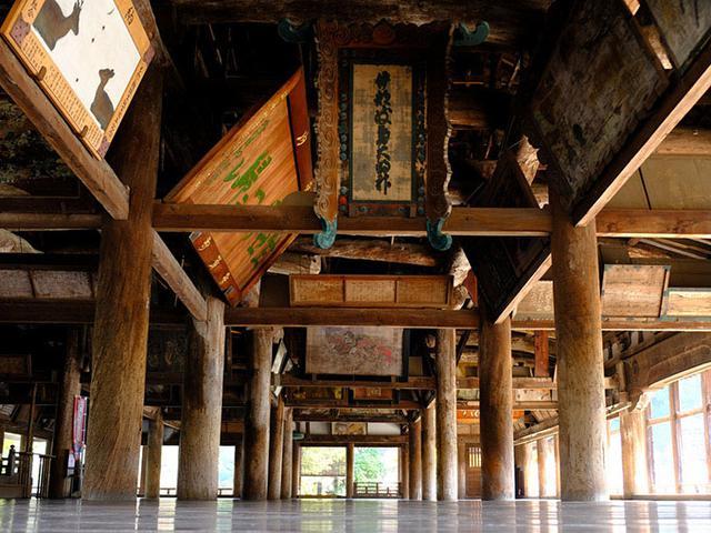 画像: その横にあるのが「千畳閣」です。こちらはかの豊臣秀吉が命じて作らせた大経堂です。戦死した者を弔うために秀吉が作らせた大建築物です。