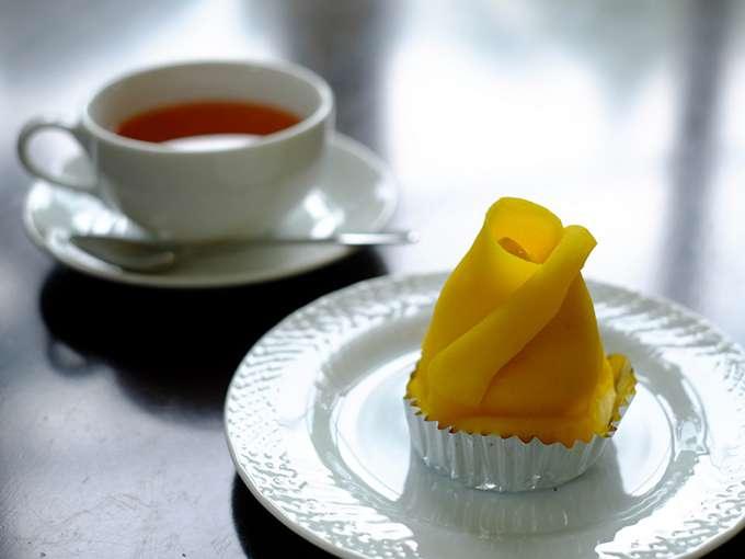 画像: 「ピーターパン洋菓子店」のばらのつぼみのようなモンブラン。