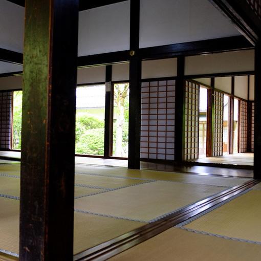 画像: 特別拝観・書院と庫裏庭園。別途200円かかりますがここは見た方がいいです。建立したのは加賀藩第二代藩主の前田利常で、那谷寺の再建を指揮するための拠点として建立しました。国の重要文化財(以下重文)です。