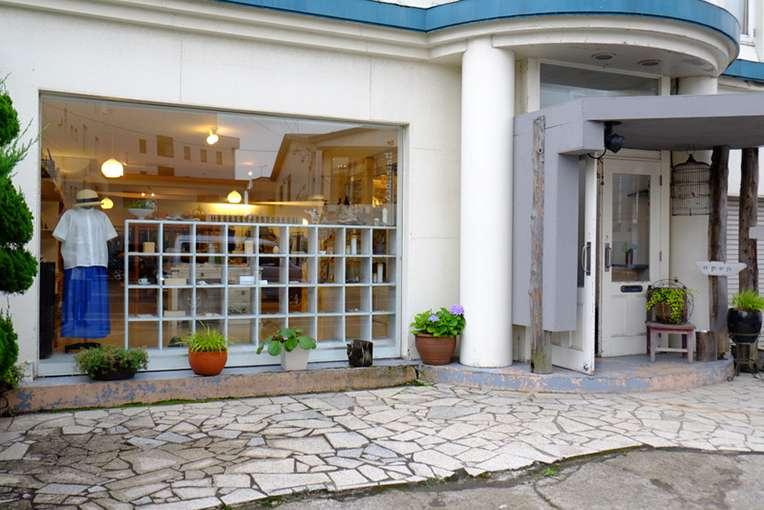 画像: お店は「ブーランジェリー イシタ」の近くでもありますよ!ぜひ立ち寄ってみてください。