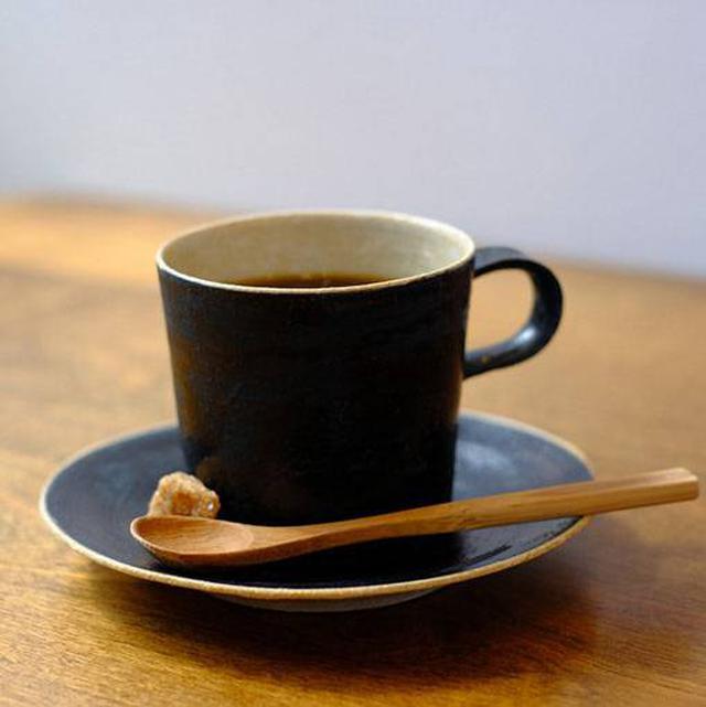 画像: 1階はカフェ。ハンドドリップのコーヒーや、
