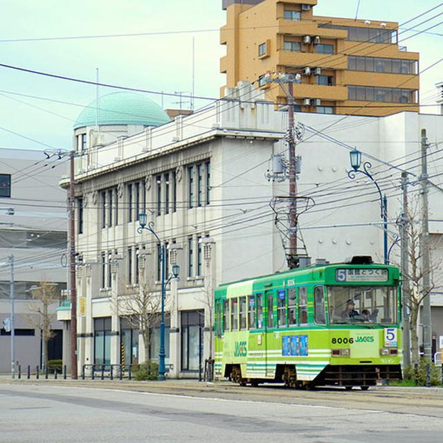 画像: 市電が走る街、函館。