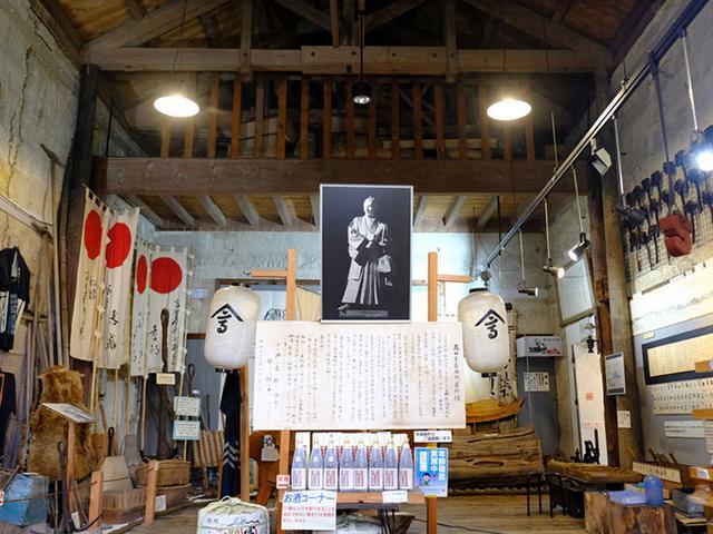 画像: 高田屋嘉兵衛資料館では、当時海が荒く航海が大変だった北方領土への航路開拓をした功績や、嘉兵衛の生い立ちなどを知ることができます。(撮影許可をいただきました。)