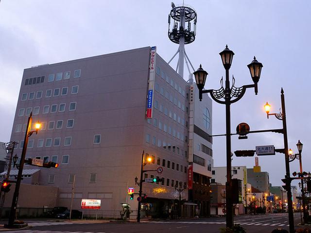 画像: 釧路の朝。駅までの道のりを急ぎます。乗り遅れると3時間後になってしまいます。