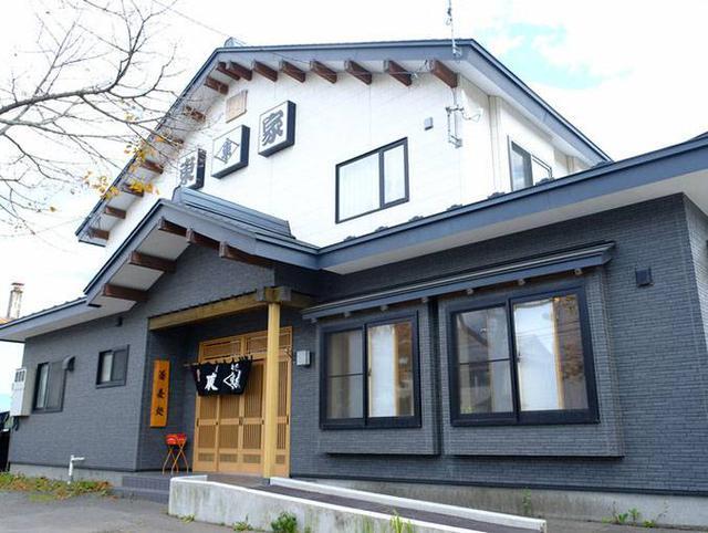 画像: お目当ての東屋 川北分店に到着。釧路市内にある100年を超える老舗「竹老園東屋」から独立したお店が東屋分店を名乗っているのですが、こちらもその中のひとつ。釧路市内には方々に東屋があります。