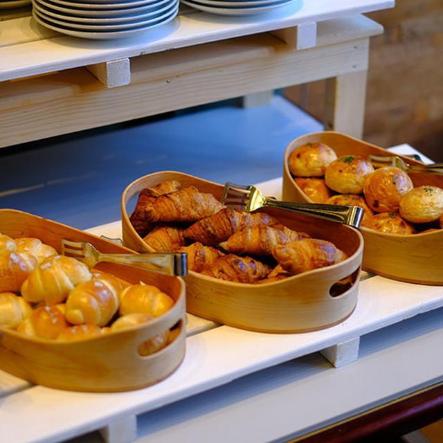 画像: 和洋食が揃うビュッフェです。