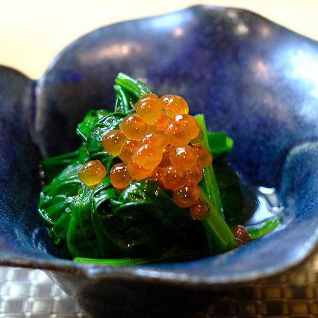 画像: とにかく釧路はおいしい。ほうれん草にイクラ。毎日、毎食イクラ食べられるなんて幸せすぎる。