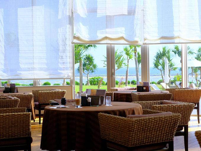 画像: ラウンジ利用で訪問しました。窓からたくさんの光が差し込み気持ちがよく、また静かなホテルでした。