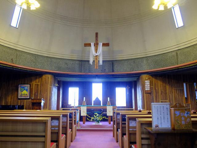 画像: 聖堂はドームのような形になっています。