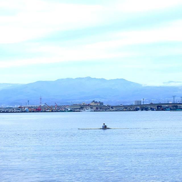 画像: シーカヤック。波がない湾内は最高の遊び場ですね!そして雨の日の後、空気も澄んでいました。
