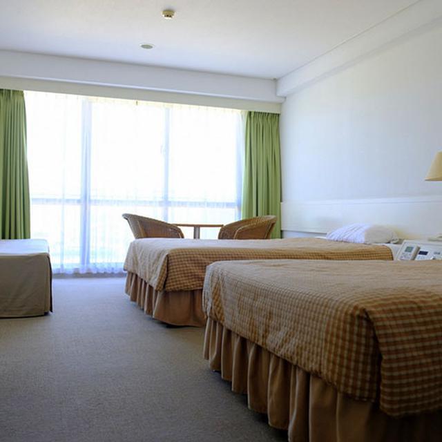 画像: お部屋はかなりシンプル。ベッドは硬めでした。