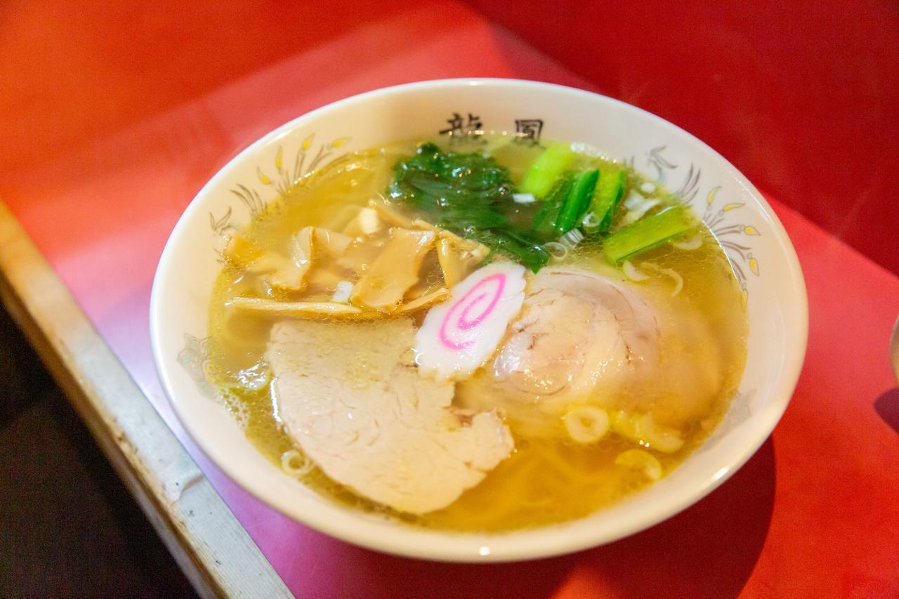 画像2: 函館といえば塩ラーメン。老舗の味で1日目のシメを