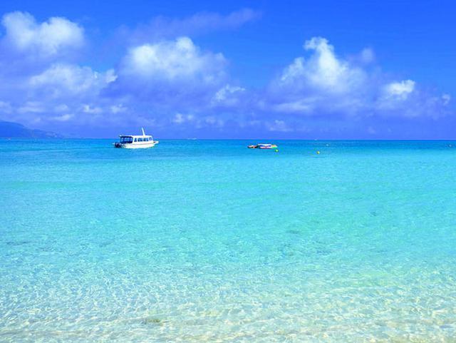 画像: いよいよ到着、ハテの浜。いきなり美しすぎて言葉を失います。