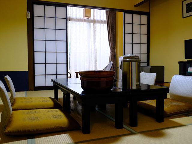 画像: ひとりには贅沢なお部屋。和室で落ち着きます。