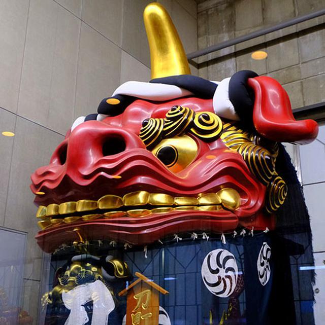 画像: 一番、赤獅子。現存14台の曳山の中で最も古い江戸時代、1819年製。