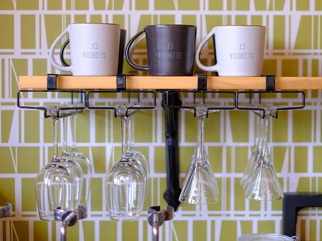画像: 家具やインテリアショップの一角にある小さなカフェです。
