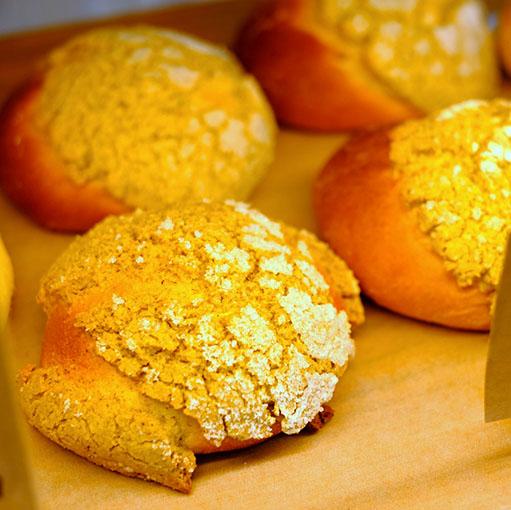 画像: 季節のパンや糸島食材を使ったパンもありますが、老若男女みんなが好きなクリームパンやあんぱんなどを中心に商品構成を考えているのだそうです。人気なのはメロンパン。