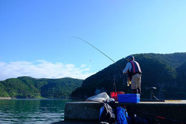 画像: ちょうどチヌ釣りをするおとうさんと一緒になり。大物狙い。