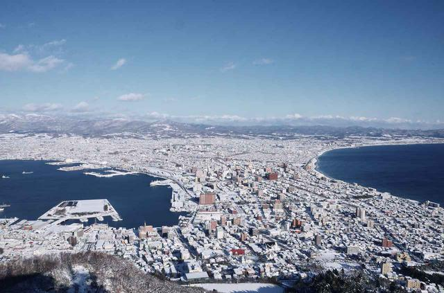 画像2: 2日目はちょっとオシャレな「ベイサイド」プラン。まずは函館山へ