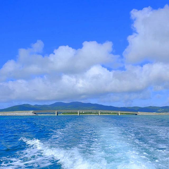 画像: 全方位青い世界へ出発!ハテの浜を目指します。