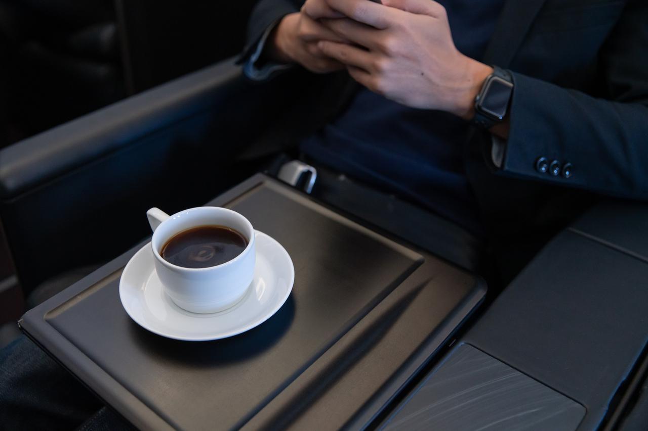 画像8: まるで空の上の書斎。ミステリー作家が語るAirbus A350ファーストクラス