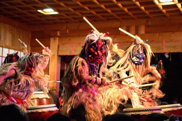 画像2: 舞に踊りに民俗行事。なまはげのすべてが詰まったまつり