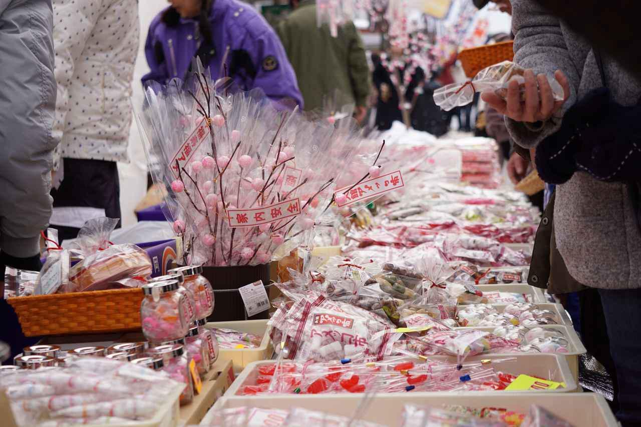 画像2: 絶景スポット(5)大館アメっ子市|美味しい飴で風邪よけ祈願