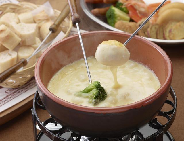 画像1: 3.「チーズワーフ」で本格的なチーズフォンデュを堪能