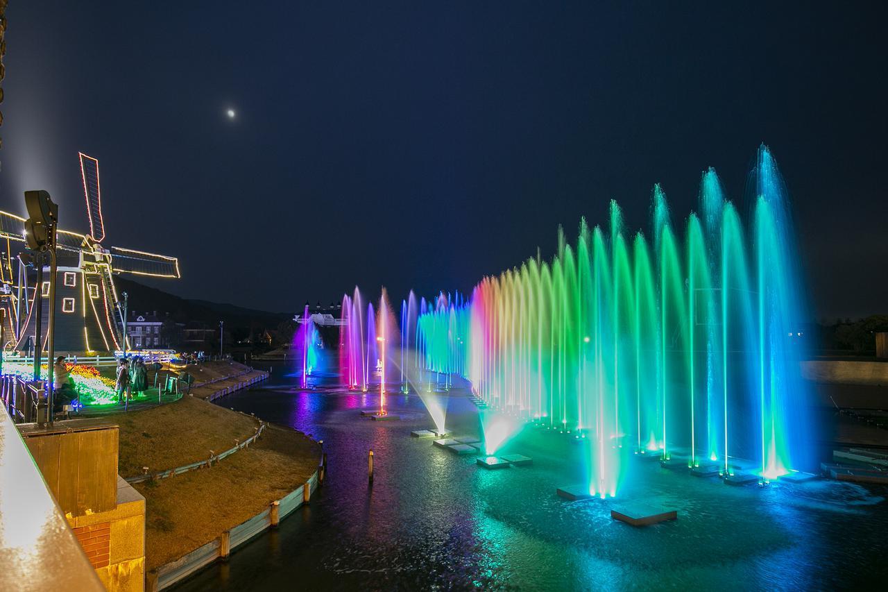 画像: 7.迫力満点の光の噴水ショー「ウォーターマジック」