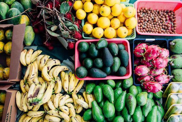 画像: 新鮮な果物や野菜は見ているだけでもテンションアップ Photo: Zach Villanueva