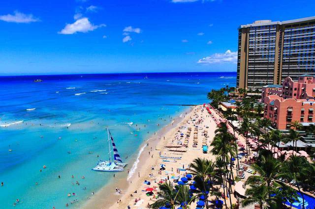 画像2: 「ワイキキビーチ」は世界中の人々が集まるハワイの象徴