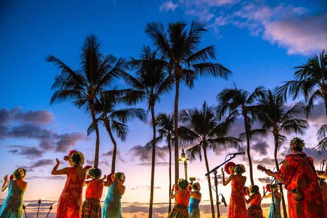画像3: 「ワイキキビーチ」は世界中の人々が集まるハワイの象徴