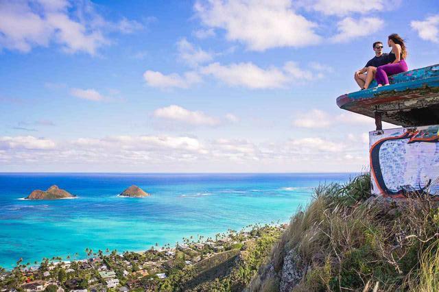 画像: ラニカイ・ピルボックスからは海と街の絶景が眺められます (c) Shutterstock.com