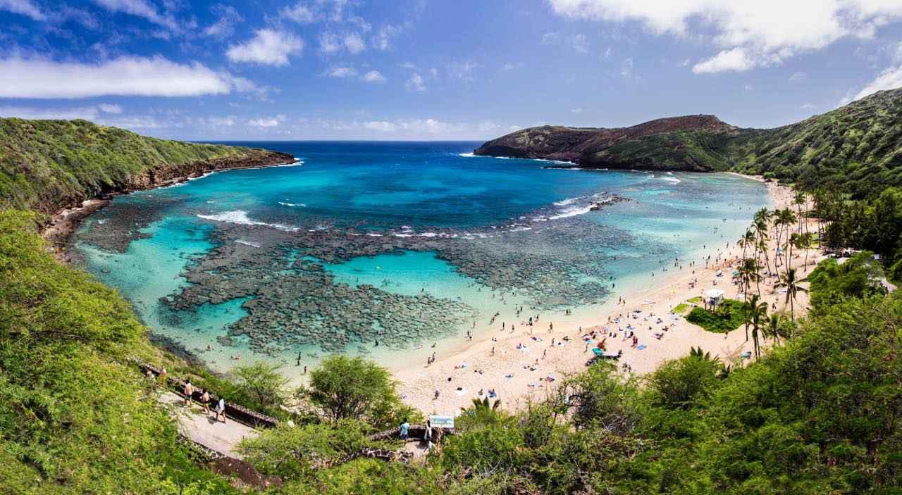 画像: ホノルルから足を延ばす価値がある美しいビーチ (c) Shutterstock.com