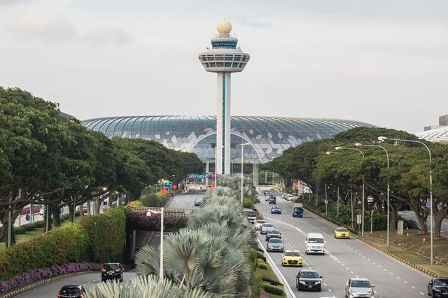 画像: ジュエルの設計はマリーナベイ・サンズも手掛けたモシェ・サフディによるもの 写真提供:Changi Airport Group