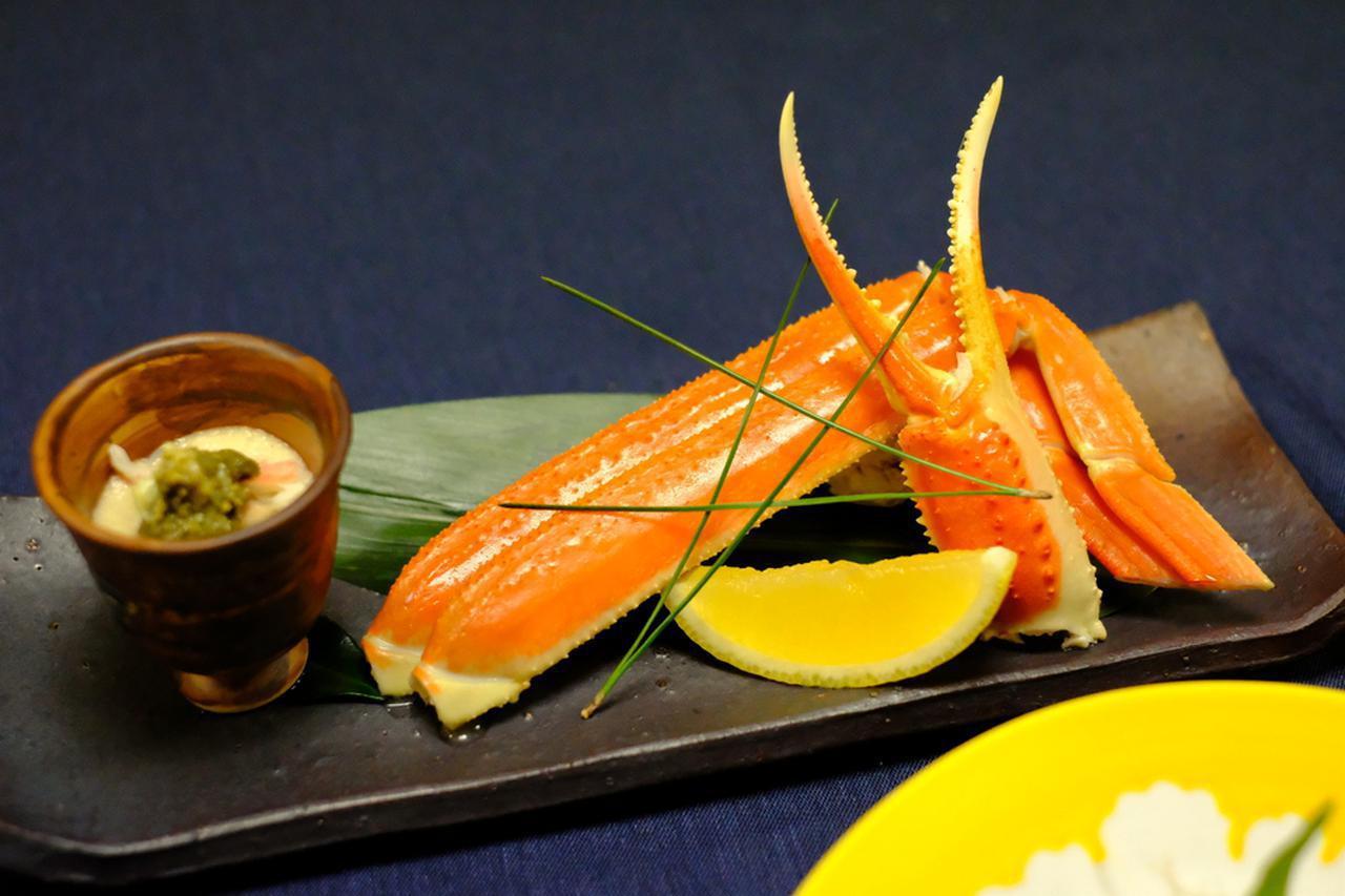 画像: 冬季の特別メニュー「ずわい蟹」。殻にぎっしりと詰まった身が甘くてみずみずしいずわい蟹、たまりません!