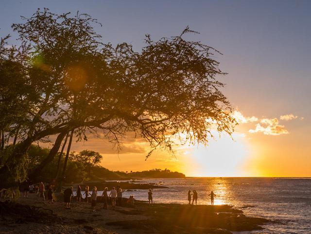 """画像: ハワイ島""""癒やし""""のパワースポット!天体ショーと神秘の洞窟"""