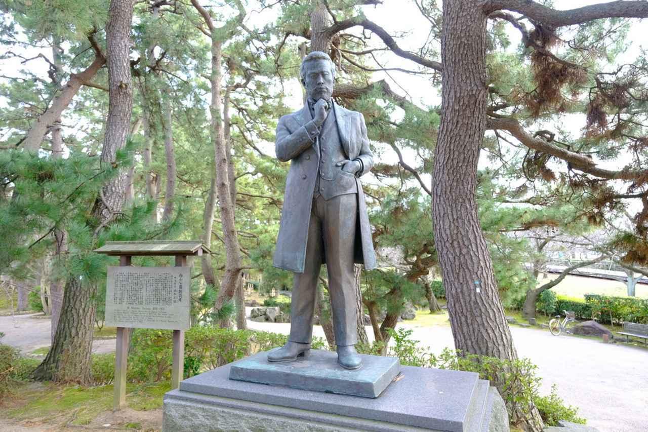 画像: 日本初の国立市民公園を作ったのは、新潟県令(現在の県知事)として赴任していた楠本正隆で、公園内に銅像もあります。