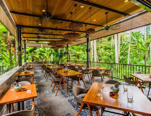 画像: 園内のカフェレストラン「ハリア」で食事するなら予約がおすすめ(土・日曜のランチとブランチは予約不可) (c) Singapore Tourism Board