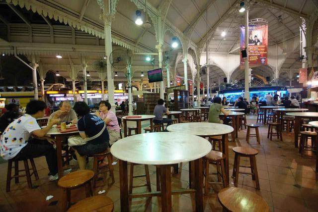 画像: 席は自由なのでまずティッシュやハンカチで場所取りを (c)Singapore Tourism Board
