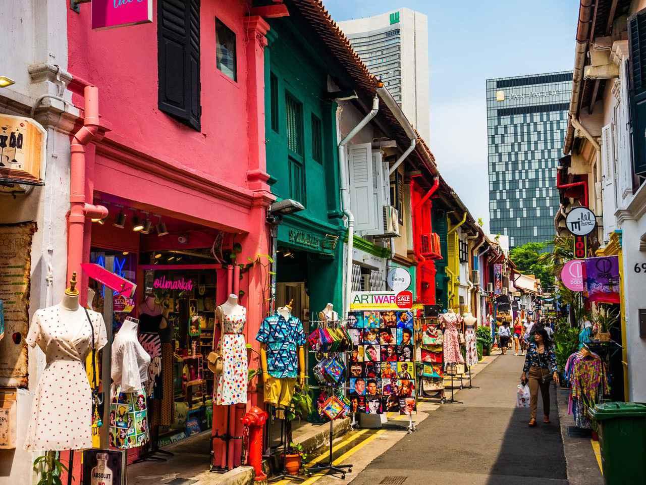 画像: カラフルなハジ・レーンの通りは撮影スポットとしても人気 Lu Nhat Thuyen / Shutterstock.com