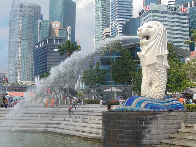 画像: マーライオンの像があるマーライオン・パーク Sino Studio / Shutterstock.com